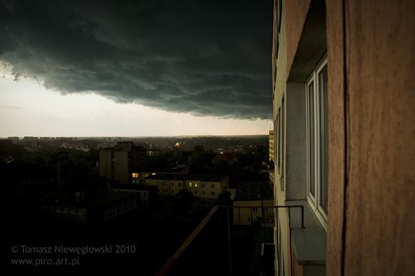 Ciemne chmury nad Olsztynem