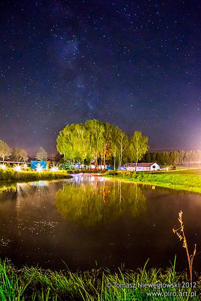 Park Rozrywki Aktywnej BARTBO nocą