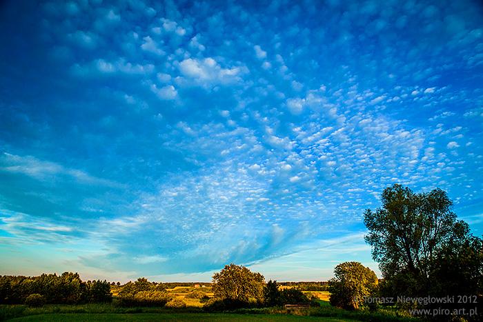 Na wsi - chmury nad polami, Warmia