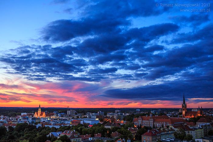Panorama Olsztyna o zachodzie słońca