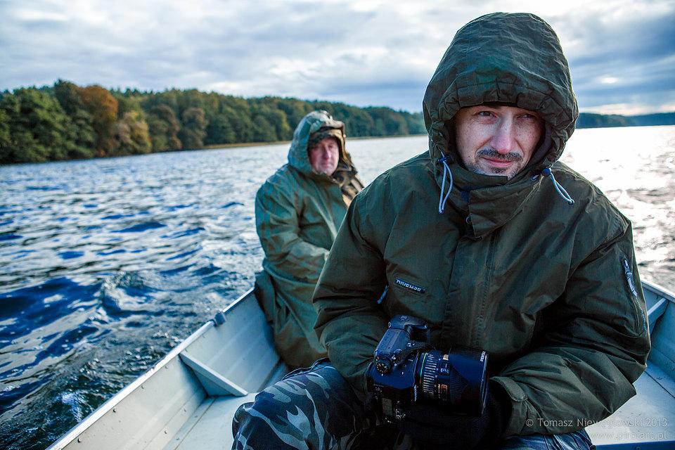 Rybacy ze Szwaderek na jeziorze Plusznym