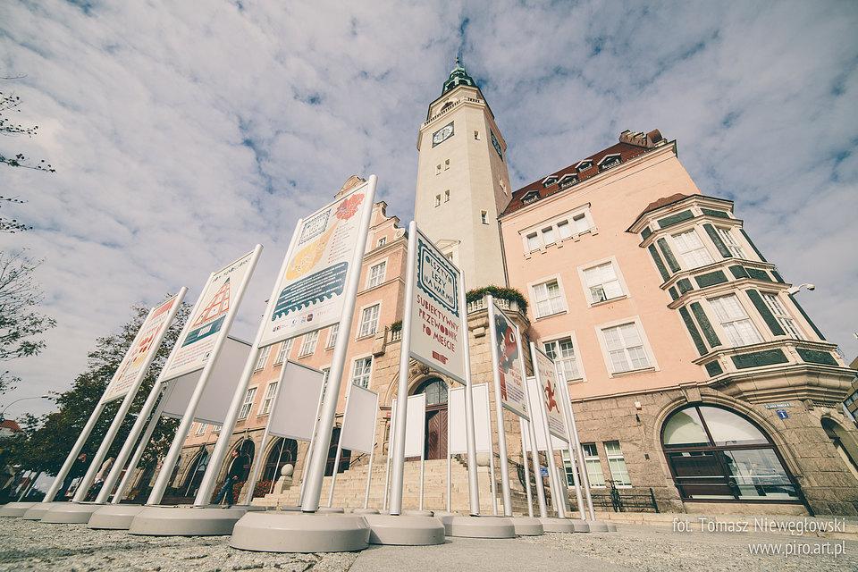 Olsztyn leży na Warmii - wystawa Gosi Frycz