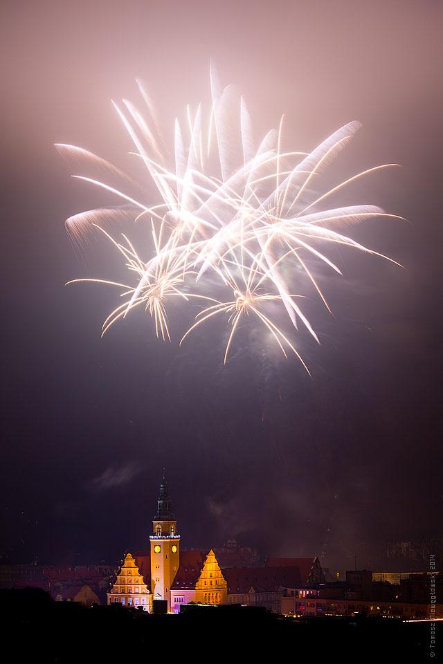 fajerwerki-olsztyn-ratusz-2014-6