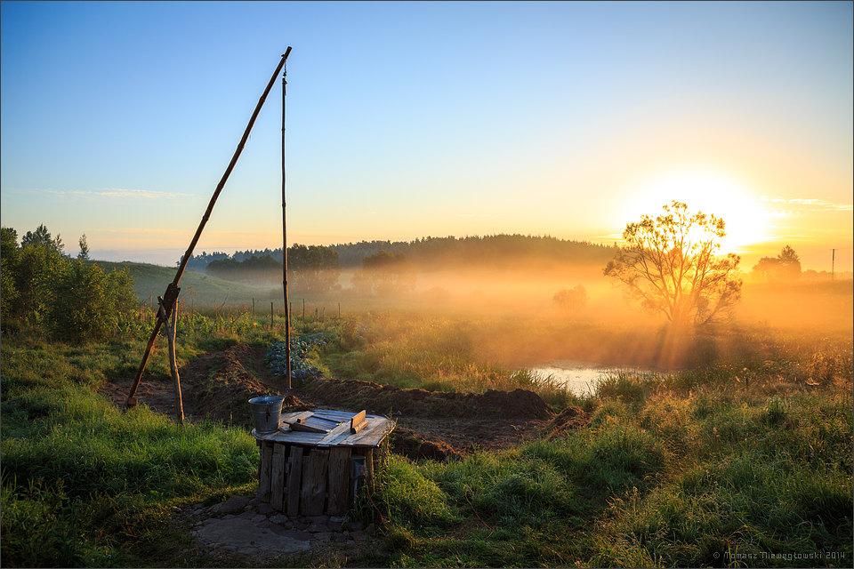 Wschód słońca w gospodarstwie na Mazurach Garbatych